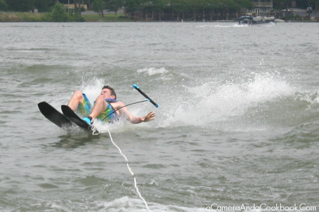 Lake Martin's Fun: Water skiing fun!