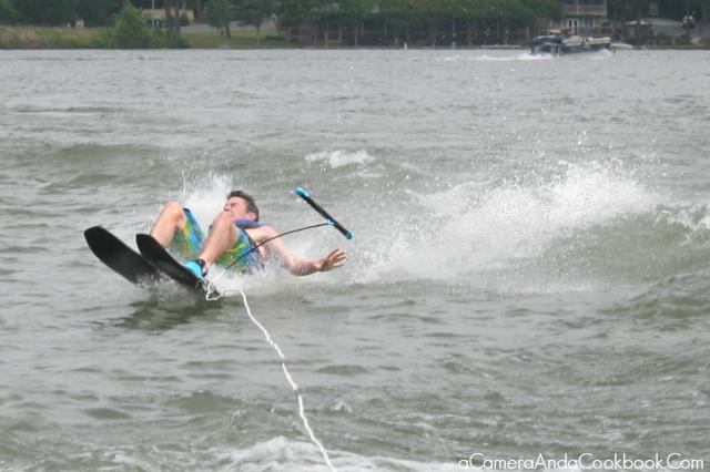 Lake Martin's Fun: Water skiing fun!